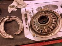 Final Drive brake shoes removed